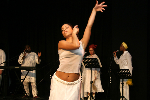 London Lucumi Choir and Union Dance at Rich Mix Studio Theatre. By Savinien Zuri-Thomas